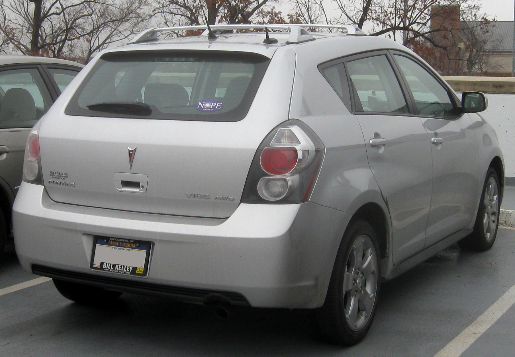 Name:  2009_Pontiac_Vibe_rear_--_11-14-2008.jpg