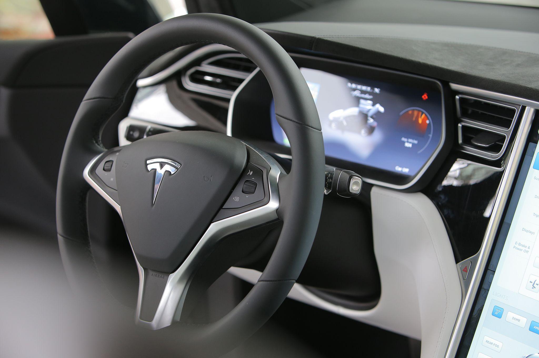 Name:  2016-tesla-model-x-interior-1.jpg Views: 92 Size:  203.7 KB