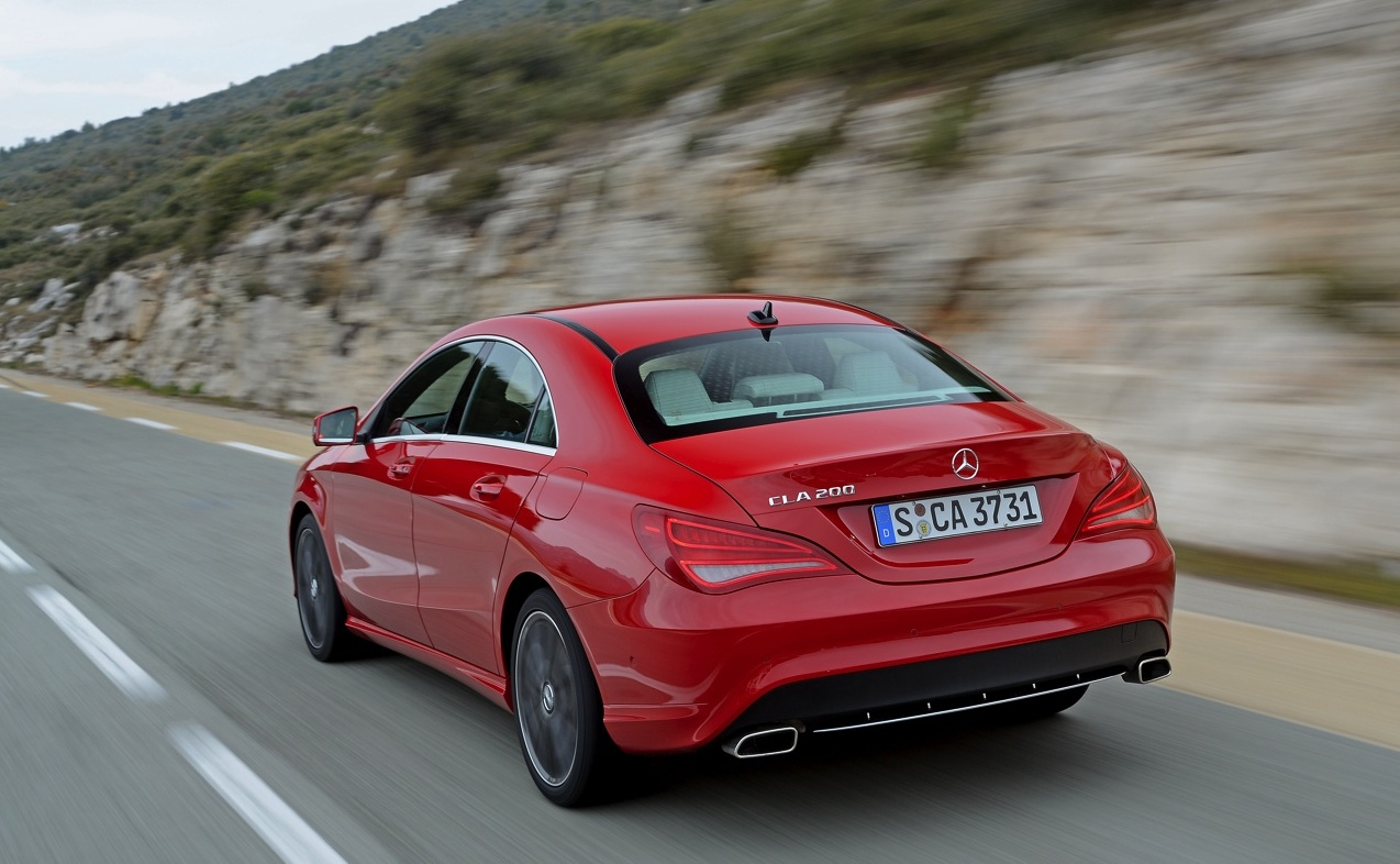 A Red Cla 200 Nice Indoor Whit White Int Trim Black