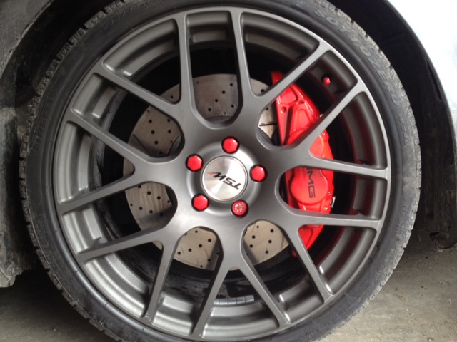 for those of you who like red calipers extra red stuff