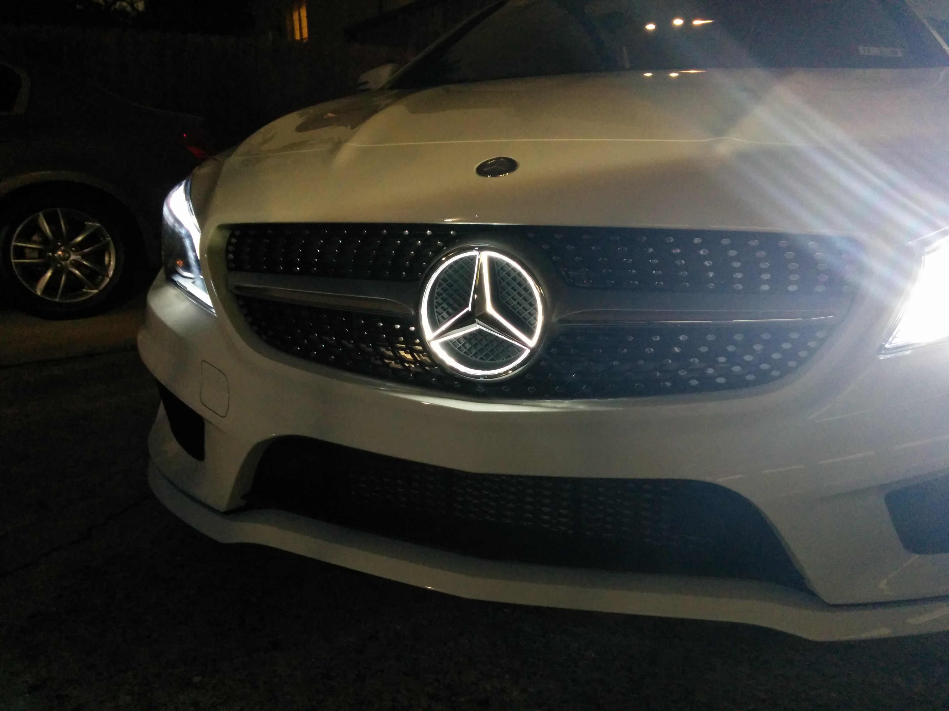 white cla - sport, prem, multimedia, pano, led, illuminated star
